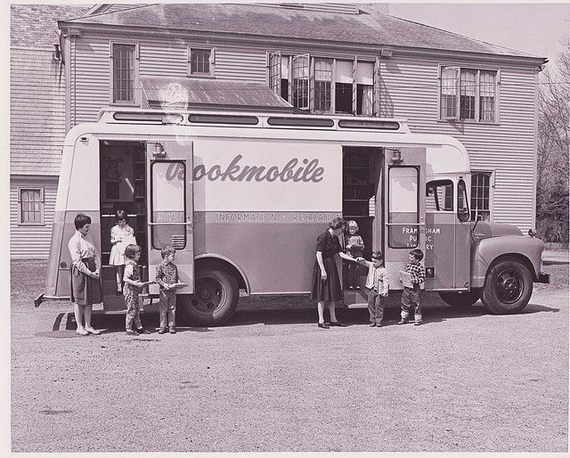 american-bookmobiles-in-the-past-8